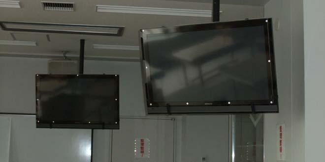 テレビの天吊り